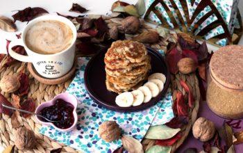 Szybkie śniadanie w rytmie slow – najłatwiejsze placuszki bananowe