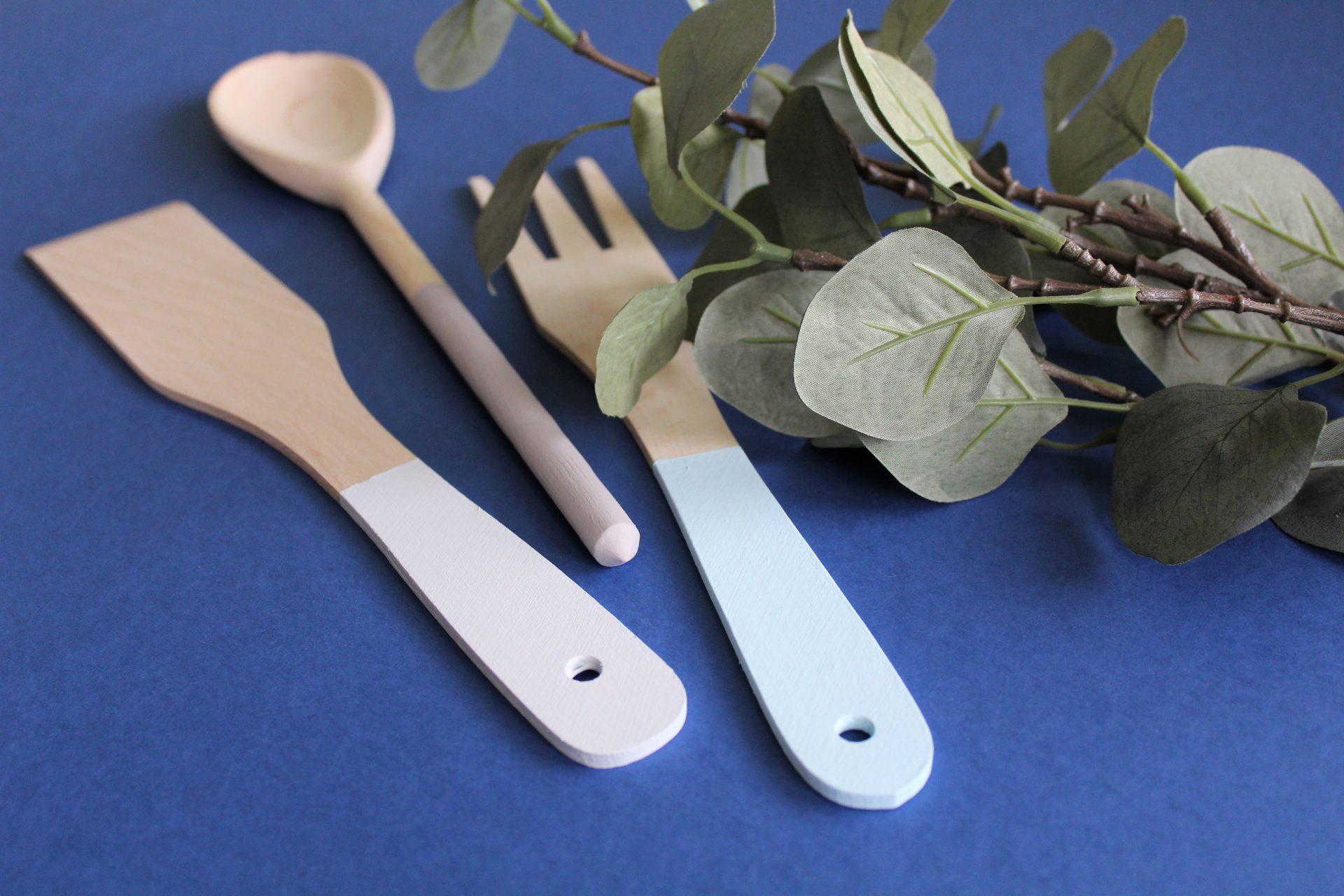 jak pomalować drewniane łyżki
